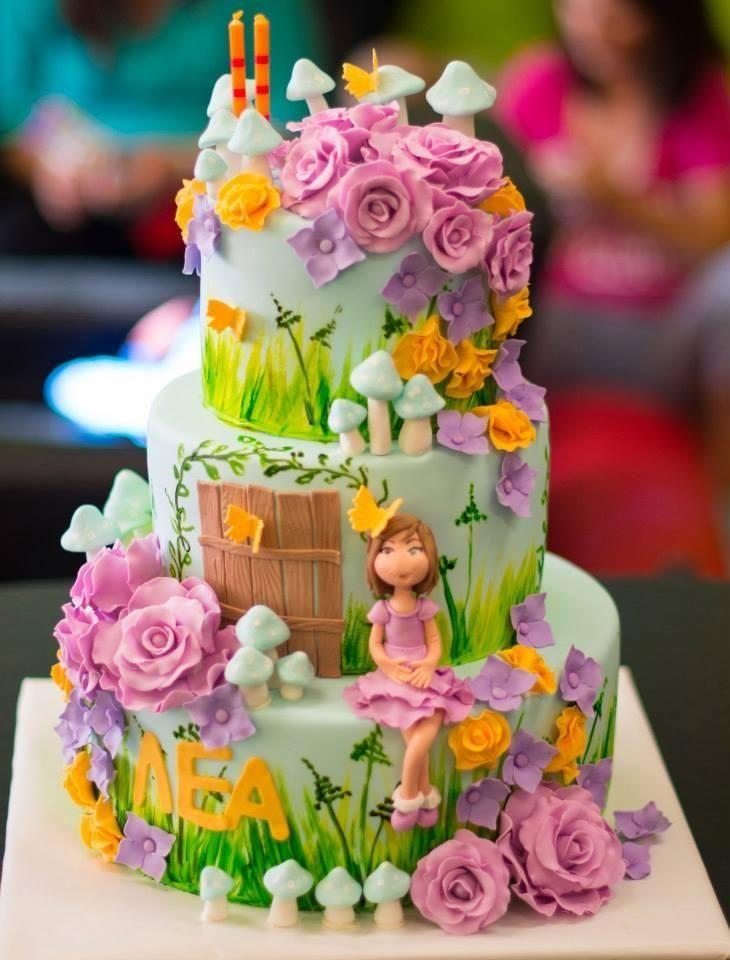 Children's Birthday Cakes - Original design by Bella's Cupcakes