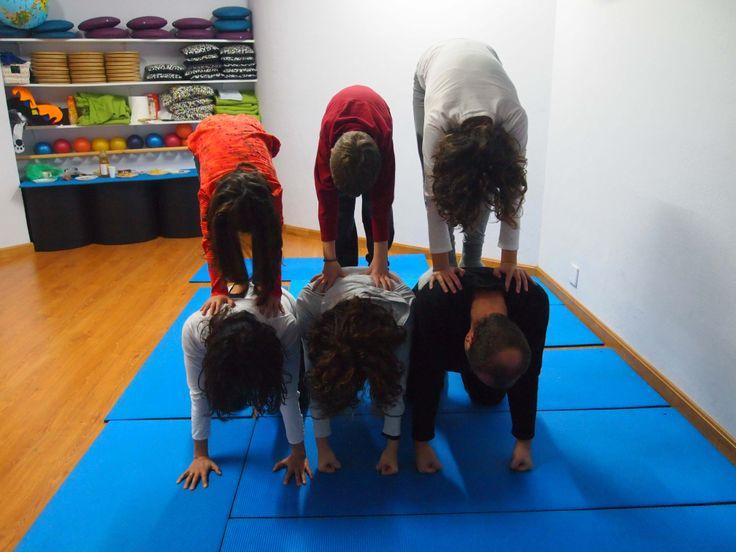 Acro-yoga. ¡Yoga en familia!