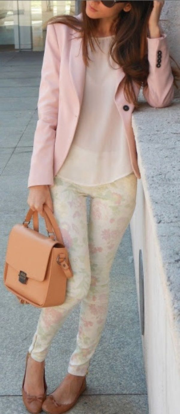 Trendy Outfit Ideas with Floral Pants (12)