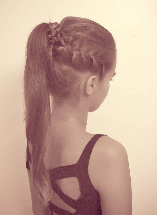 Trying this look next week but w/ tighter braids on the sides... LOVE.