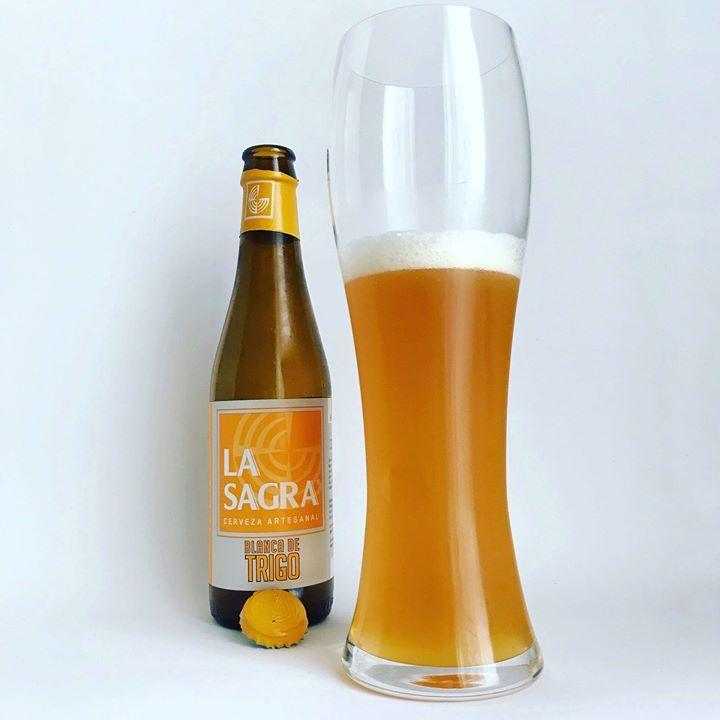 Cerveza Blanca De Trigo De Cerveza La Sagra Color Naranja Palido