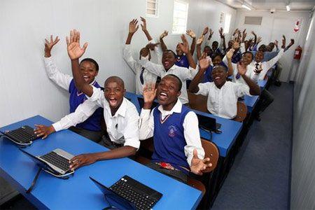 Container ad energia solare per le scuole del Sudafrica: l'iniziativa di Samsung