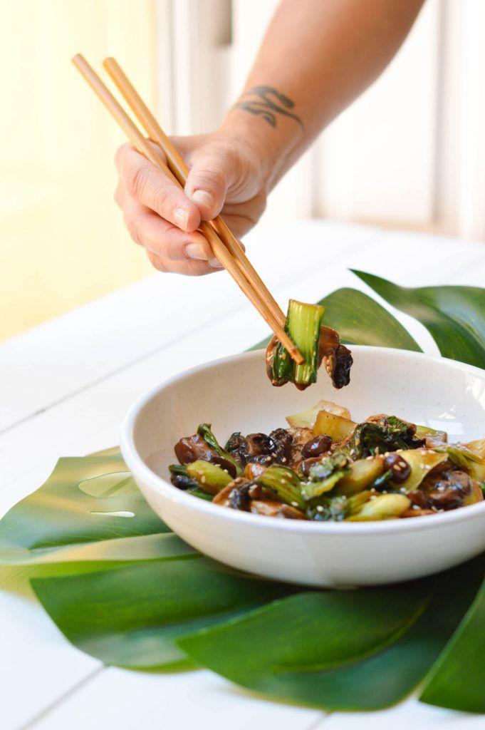Comida con pocas calorías: Pack Choi salteado con setas