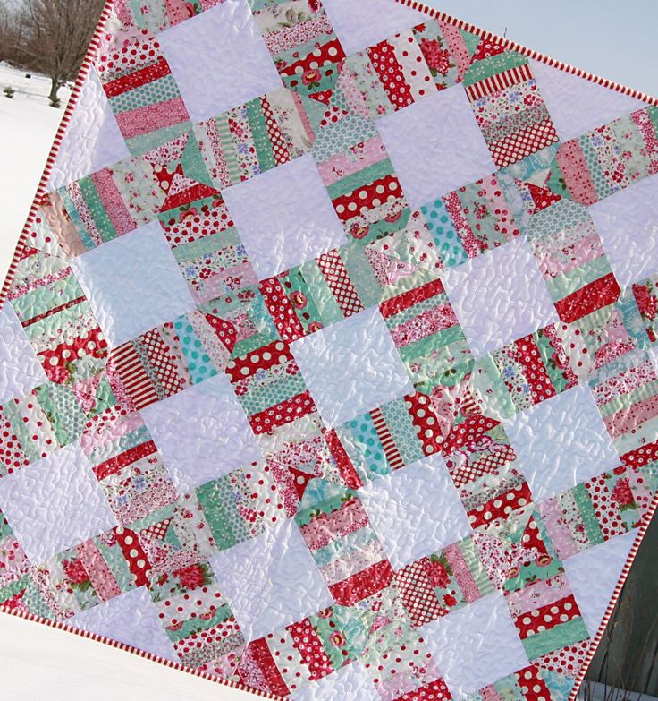 Liberated wedding ring: Scrap Quilts, Beautiful Quilts, Holidays Quilts, Rings Patterns, String Quilts, Wedding Rings Quilts, Wedding Ring Quilt, Aqua Quilts, Quilts Ideas