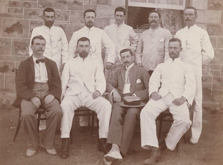 BA338/1/32: Marble Bar Telegraph Office staff, 1900 http://encore.slwa.wa.gov.au/iii/encore/record/C__Rb4723854?lang=eng