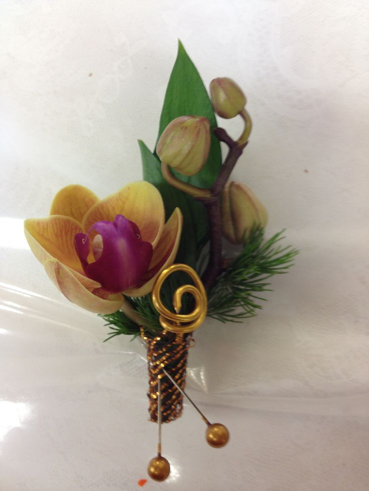 corsage and boutonniere 1800flowers