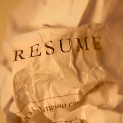 Here are ten critical questions your resume must answer for the reader in a ten-second glance