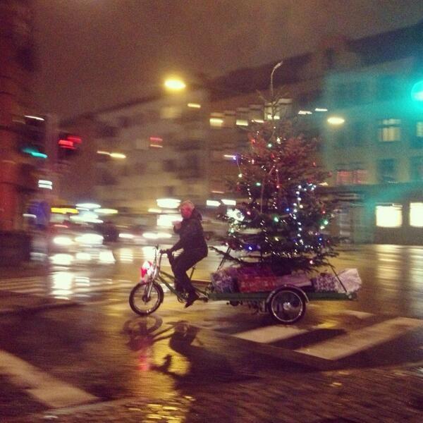 #transport #christmas #tree #biking #purefix #purecity