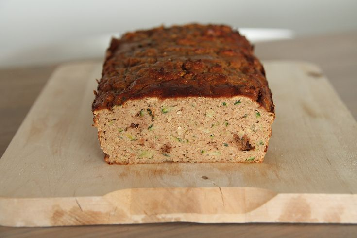 Courgette walnoot cake/brood van kokosmeel
