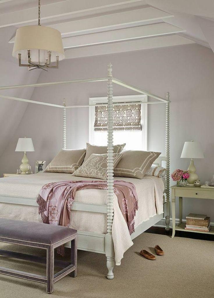 décoration de chambre parentale avec lit baldaquin en blanc