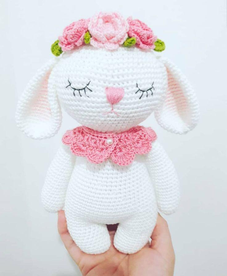 @marieleescobaramigurumi I love your picture of Mia the Bunny! . #hasemia . . #amaloudesigns #pattern #anleitung #amigurumi #crochet…