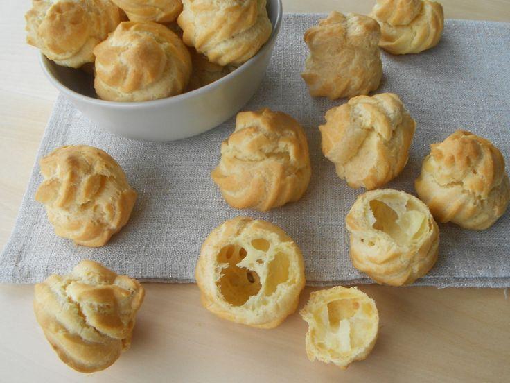 La mia prima pasta choux riuscita con successo l'ho preparata realizzando questezeppole di San Giuseppe, una ricetta eseguita secondo gli insegname