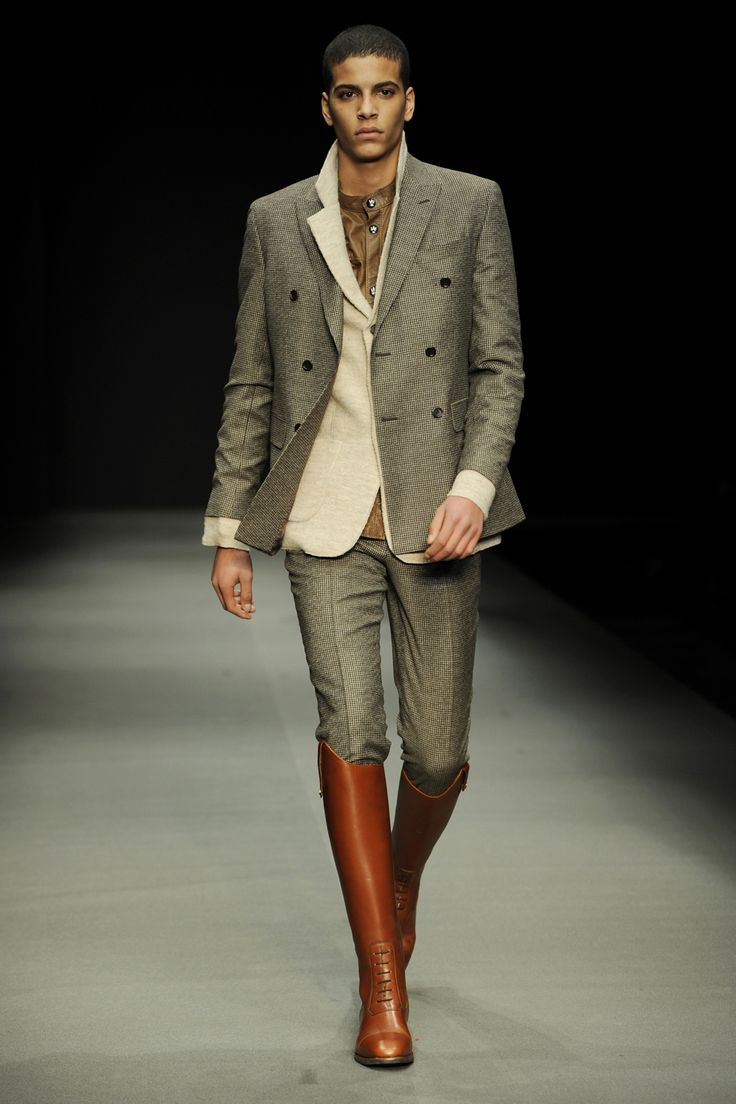 I Hate Pants Tucked Into Boots On Guys (unless It's For