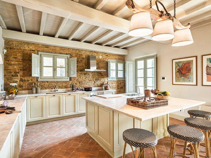Una meravigliosa cucina in una villa toscana...