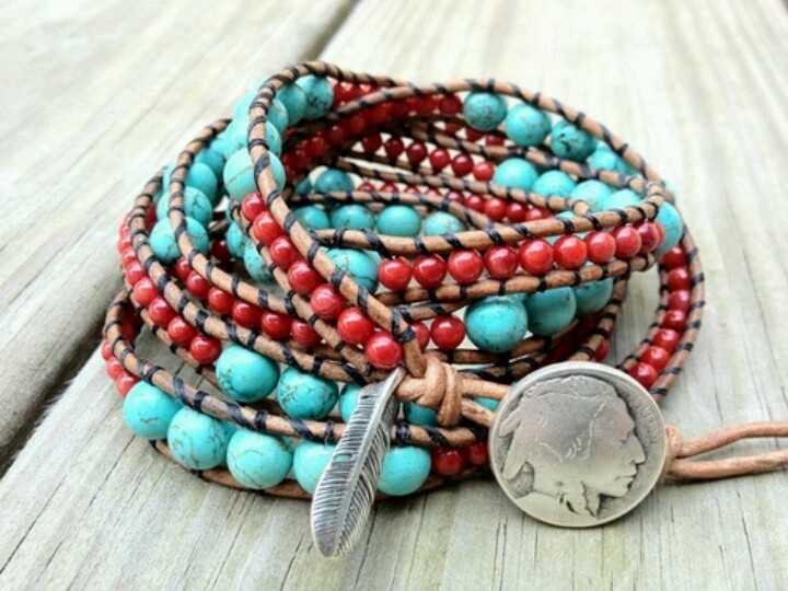 I used to make braclets like this all the time... I should start making them again.