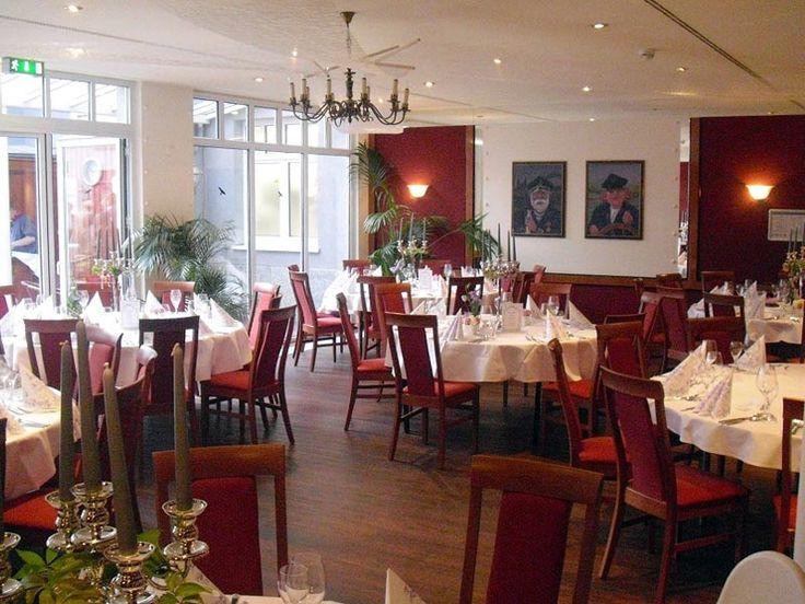 Plaza Hotel Magdeburg #Das #Plaza #Hotel #Magdeburg #bietet #den #idealen #Rahmen #Ihre unvergessliche #Hochzeit #klassischer #Sektempfang #begrünten Innenhof #ein #reichhaltiges #Buffet #Restaurant #Elbdampfer #– #das kompetente #Team #des #Hotels #steht #Ihnen #tatkräftig #zur #Seite #Hotel bietet #All #Inclusive #Paket #die #welches #sich #individuell #um zusätzliche #Leistungen #erweitern #lässt - Heiraten - Heiraten http://www.meinhochzeitsratgeber.de #hochzeit
