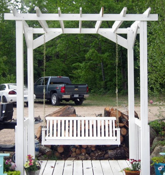 Outdoor pergola swing - so want