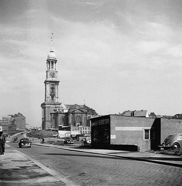 File: Hamburg 1949.JPG