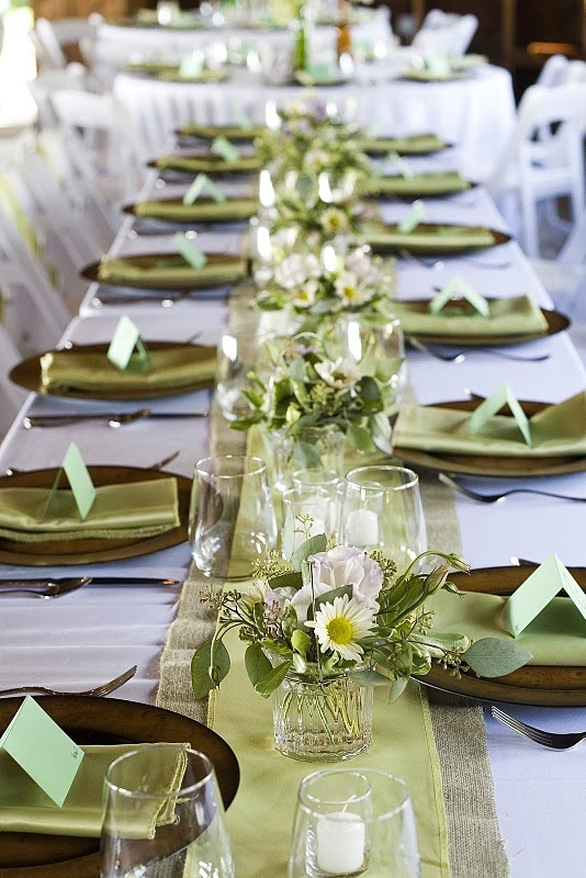 I M Loving The Sage Table Runner And Then We Ll Have Light Blue Gl With Daisies White Roses Baby S Breath Wedding Pinte