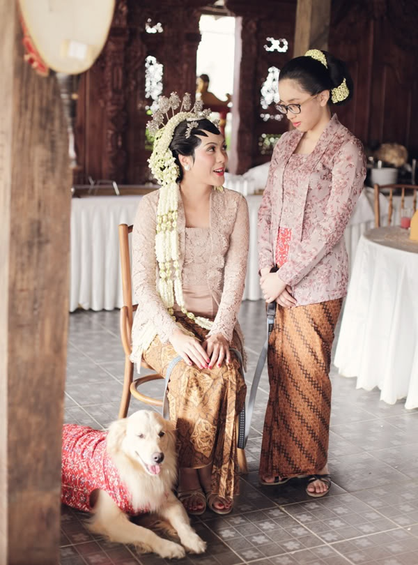 like this bride's kebaya