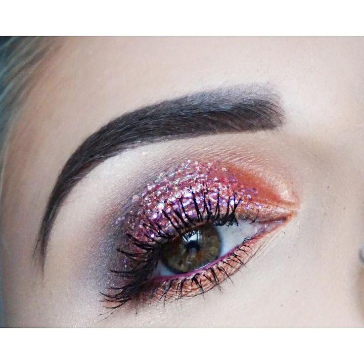 Eye makeup from Saturday's shoot by Sophia Levy #glittereyes #glittermakeup #gli…