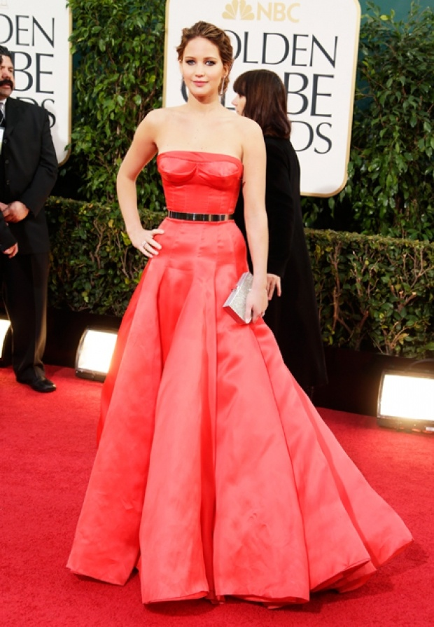 Jennifer Lawrence diva hollywoodienne dans sa robe bouffante Christian Dior Couture