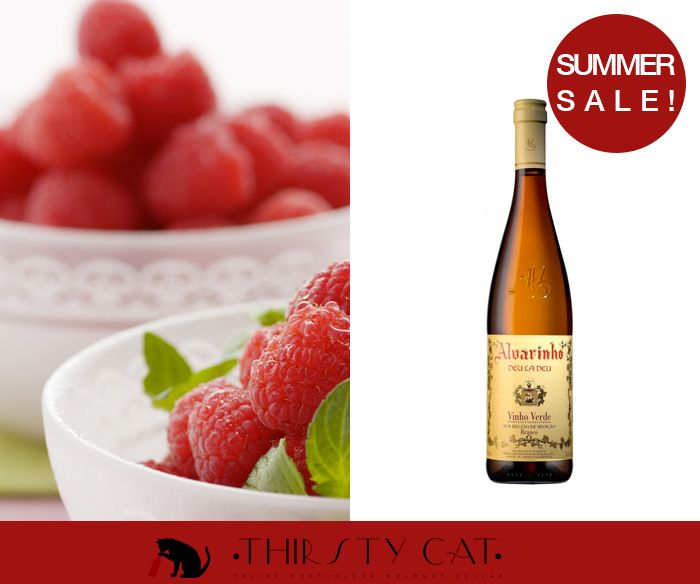 """DEU LA DEU ALVARINHO 2013  http://www.thirsty-cat.com/product/deu-la-deu-alvarinho-2013  8,62 €  """"It is a dry white wine. Limpid, citrine color, intense fragrance, with tropical notes and honey, some complexity and vegetable touches; soft taste, with good fixed acidity, what gives him freshness and elegance, intense body and elegant finish.""""  - 90 Points In Wine Enthusiast Magazine - 87 Points In CellarTracker - 16,5 Points In Wine Magazine Portugal - Commended Decanter World Wine Awards…"""