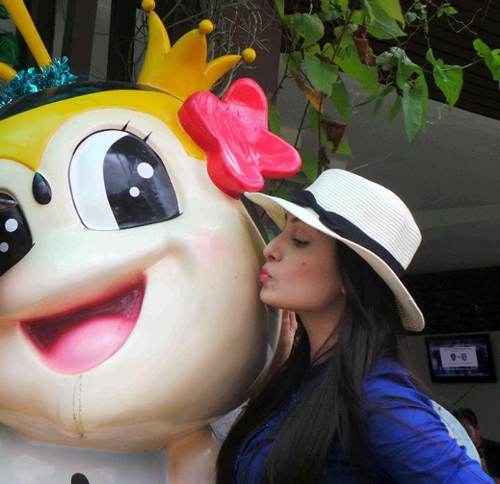 Ayeza Khan n Danish Taimoor in Thailand !