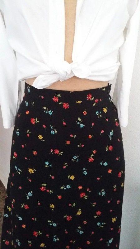 8292dc2a1 Comprate esta maxi-falda, vintage, cintura alta. Tejido fino de ...