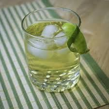 A green tea shot has recently been really popular. In order to make this shot, you'll need: Jameson Irish Whiskey (1/2 oz per shot) (1 oz per drink) Peach Schnapps (1/2 oz per shot) (1.5 oz per drink) Sprite (Splash per shot) (3.5 oz per drink) Sour Mix ( http://teaslover.com/all-about-tea/