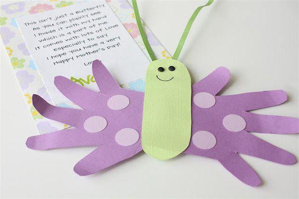 Manualidades faciles para niños: mariposa con huellas de las manos para el Día de la Madre