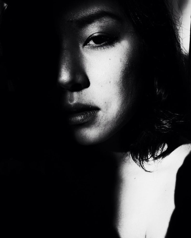 Eli Dijkers #photography #portrait #girl #woman #bw #documentary #netherlands #asian #asiangirl #fine #deep #shadow #rembrandt