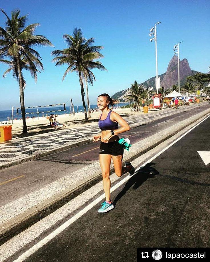 Disfrutar y moverse donde sea. @lapaocastel con toda la motivación de la costa preparando sus desafiantes próximas aventuras. Visítanos únete y a moverse ahora que se aproxima el mes de Marzo . : info@stgomrco.com  #Repost @lapaocastel with @repostappAnd may all your (Running) Dreams come true ... #run in #Rio . #stgomrco #run #trailrun #funrun #running #trailrunning #training  #cervezaquimera #nutricionenbalance #hokaoneone #gooutside #outside #outdoors #brasil #ipanema #santiago #chile
