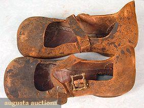 Gentleman's Shoes (Tudor Era):                                                                                                                                                     More