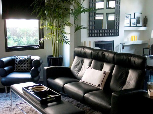 Joe likes this couch. :/: Sweet, Black Leather Couch, Theater Rooms, Livingroom, Living Room, Media Rooms, Black Couch, Modern Sofas
