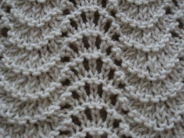 Fan And Feather Afghan Knitting Pattern : Feather and Fan Baby Blanket Knit: Pattern-Stitches-Ins Pinterest Lace,...