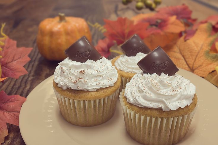 AERO Pumpkin Cupcake A pumpkin pie you don't have to share? Yes please!