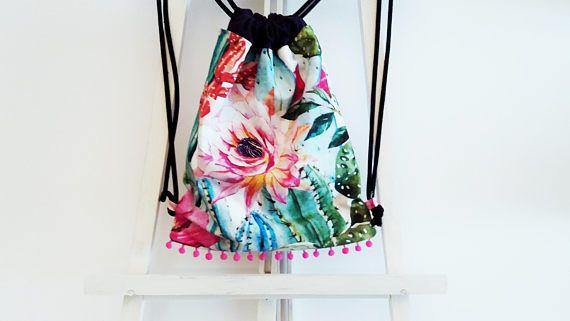 He encontrado este interesante anuncio de Etsy en https://www.etsy.com/es/listing/557260112/mochila-mujer-mochila-cordones-mochila
