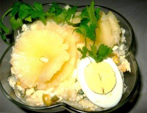 Легкий новогодний ананасовый салат
