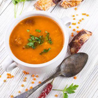 Minutková polévka z červené čočky a rajčátek