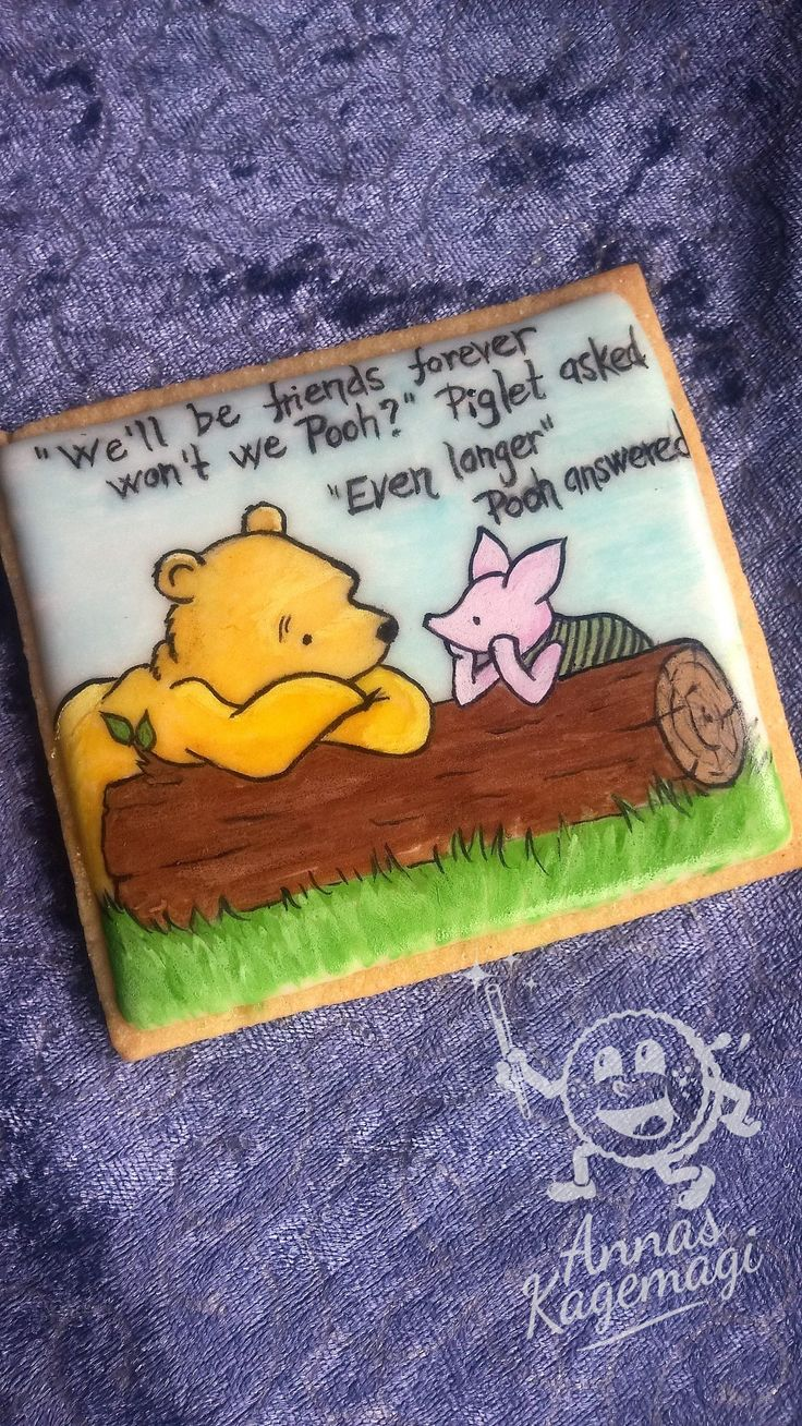 Sugar cookie with royal icing. Pooh and Piglet is painted with gel colours and clear alcohol.
