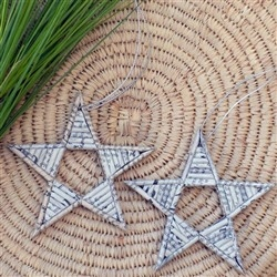 Star shaped newspaper ornaments. #christmas #diy #recycling #crafts