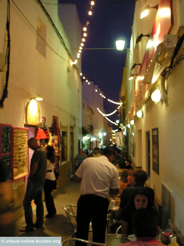 Altstadt von Conil de la Frontera, Costa de la Luz, Spanien: http://www.urlaub-online-buchen.org/sommerurlaub/spanien/conildelafrontera.html