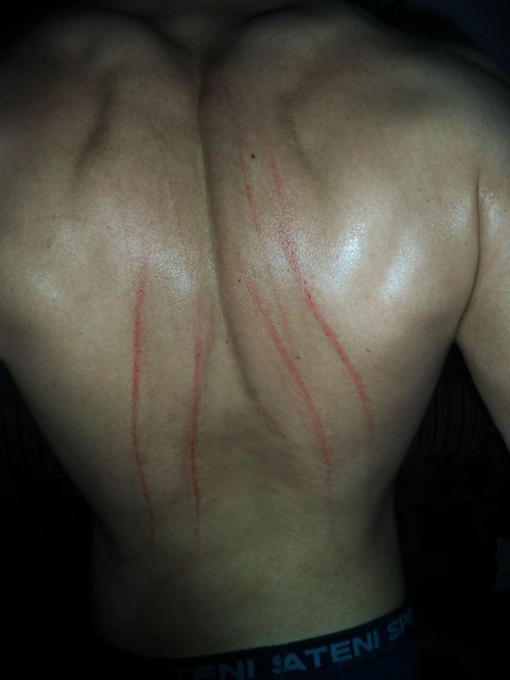 Картинка царапанье спины