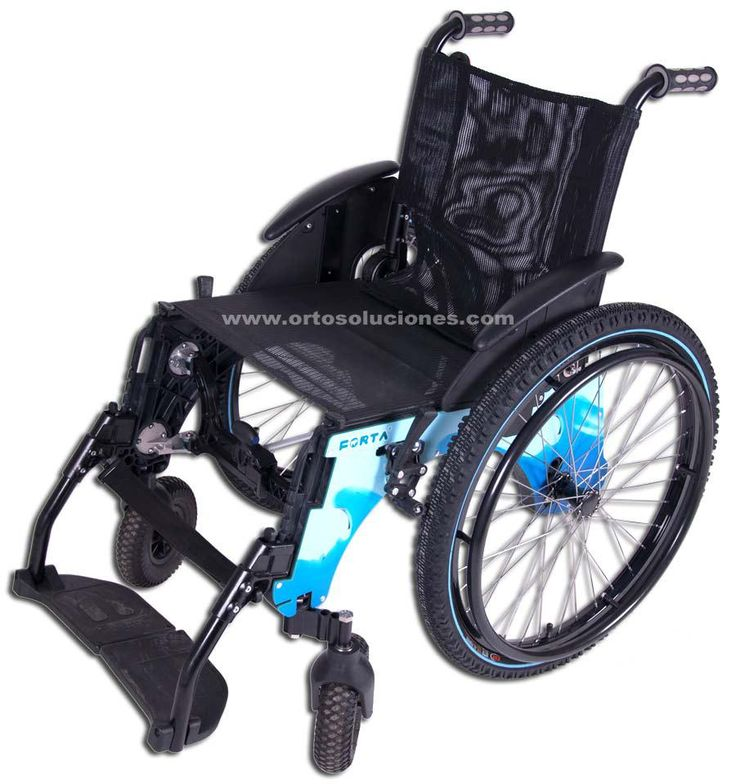 Silla de ruedas plegable TRIAL de FORTA,fabricada en aluminio con tornillería de acero inoxidable.Se puede usar para desplazarse por la arena como para adentrarse en el mar.Disponible en varias tallas.