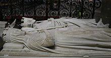 Gisants de Pépin le Bref et son épouse Bertrade de Laon dans la Basilique St-Denis (île de France)