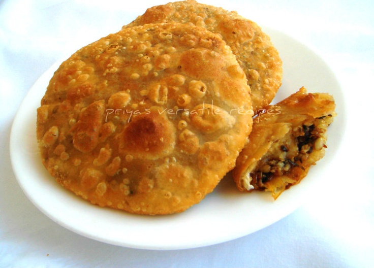 Urad Dal Ki KachoriFor The Outer Dough: Maida/ Flour-3 cups Refined Oil-2/3 cup Salt-to taste  For The Urad Dhal Filling: Urad Dhal-1/2 cup Oil-2 tbs Cumin Seeds-1/2 tsp Red Chilly Powder-1/2 tsp Coriander Powder-1 tbs Ginger Powder-1/4 tsp Anise Powder/ Fennel Powder-1 tsp Garam Masala Powder-1/2 tsp Salt-to taste Coriander Leaves-2 tbs