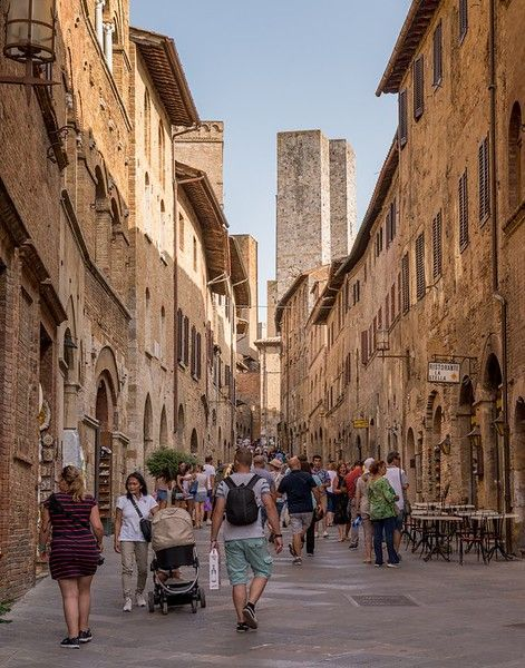 Traveling on a Small Group Tour in Tuscany, Italy. #boomertravel #Italy #europe