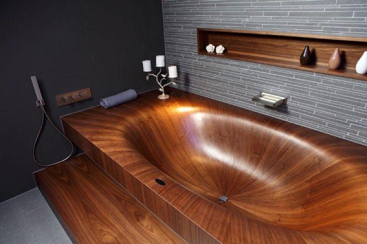 【暖かみのある癒し空間】滑らかな木製バスタブのお風呂