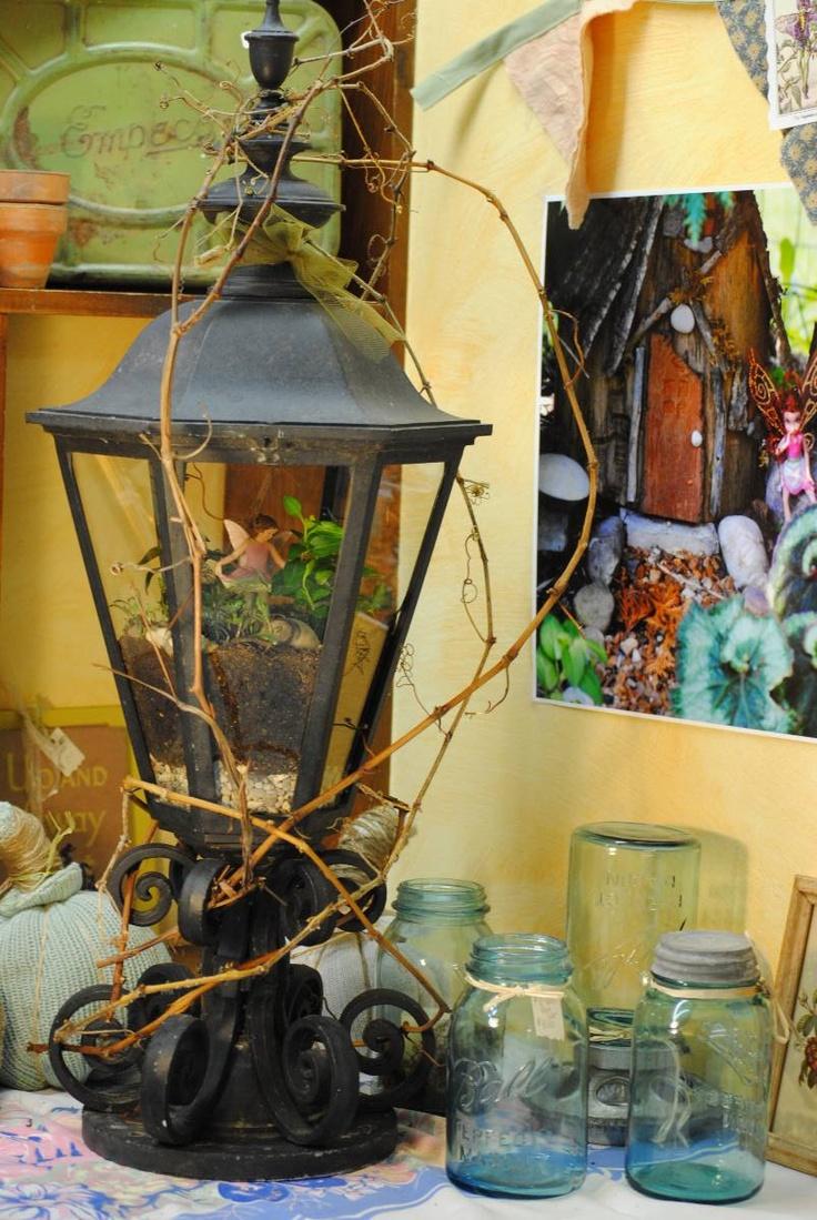 fairy lantern: Lights Fixtures, Fairies Terrarium, Fairy Terrarium, Fairies Lights, Fairies Gardens, Fairies House, Fairy Lights, Outdoor Lights, Miniatures Gardens